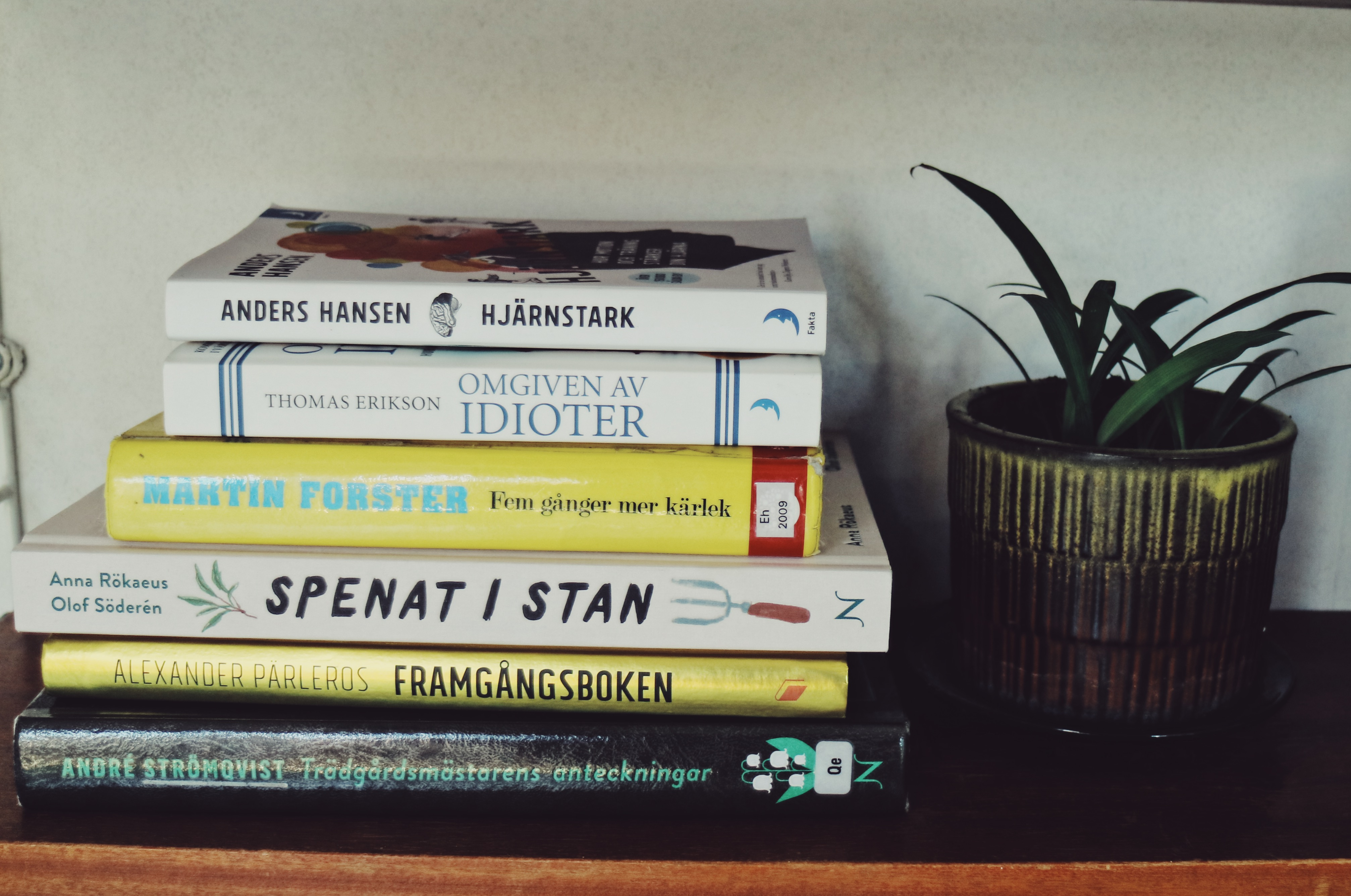 hjarnstark-foster-spenat-books-reading-fall