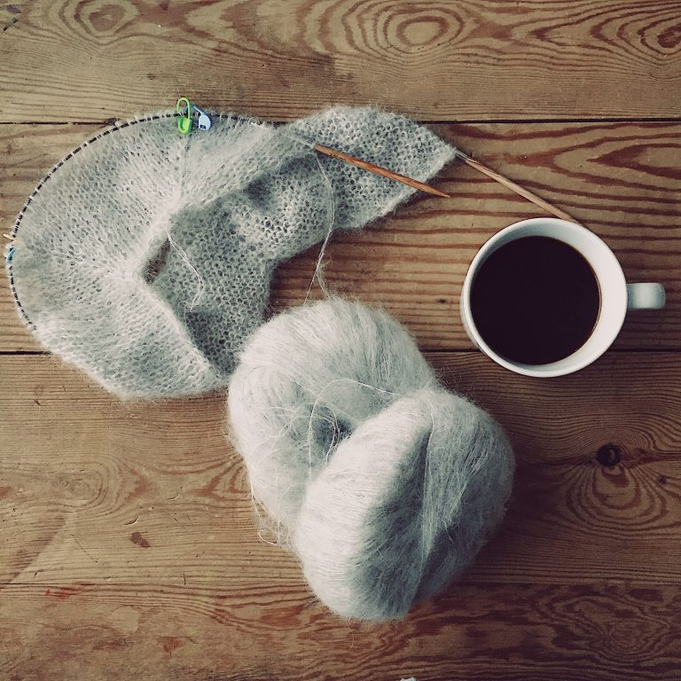 knitting-coffee-yarn-fall