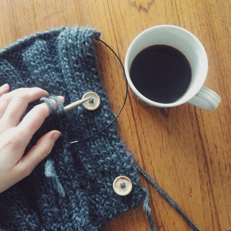 knitting-coffee-veckan
