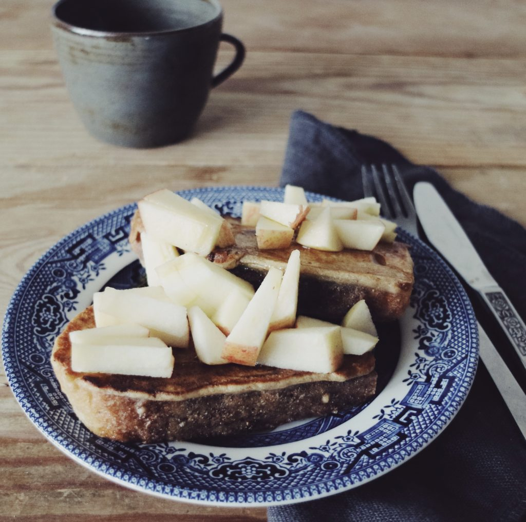 brunch-french-toast-apple-yolk