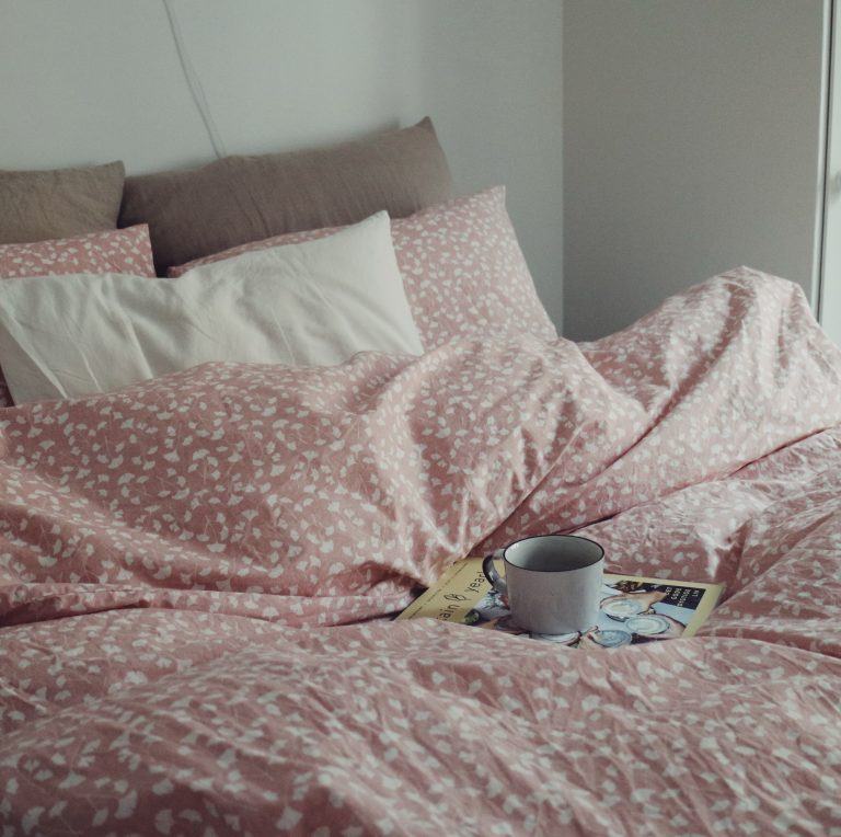 sunday-bed-slow-living