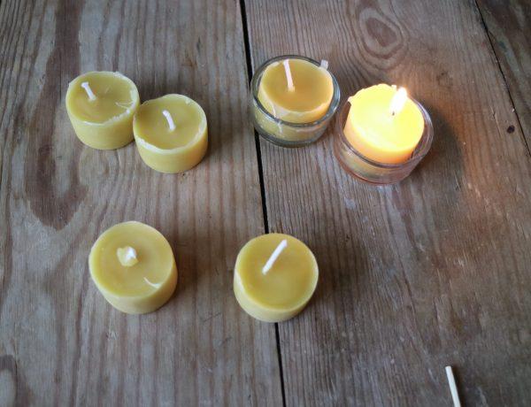bees-wax-tea-light